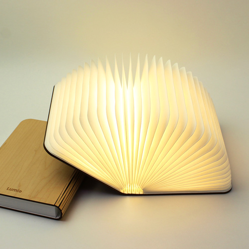 ▲Lumiosf ルミオエスエフ/充電式LEDライト(2色)