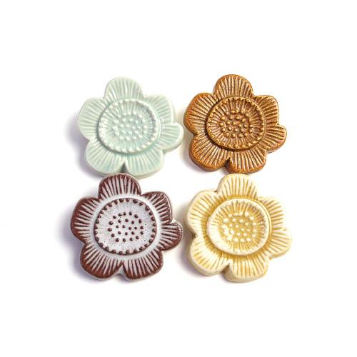 flower tile ブローチ A